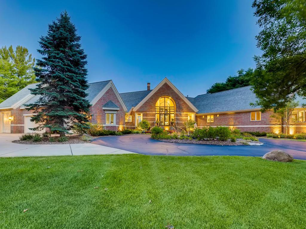9980 Deerbrook Drive Property Photo - Chanhassen, MN real estate listing