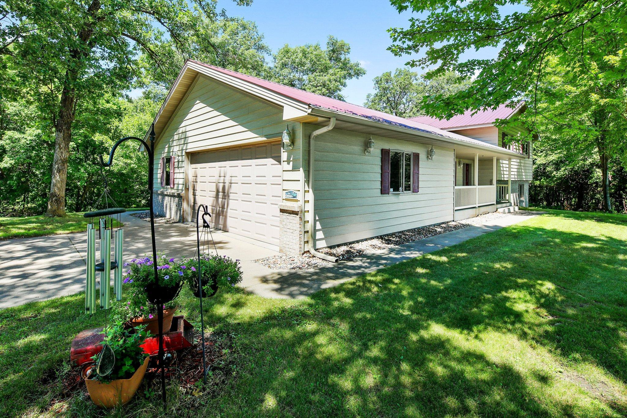 7404 Lakeside Farm Road Property Photo - South Haven, MN real estate listing