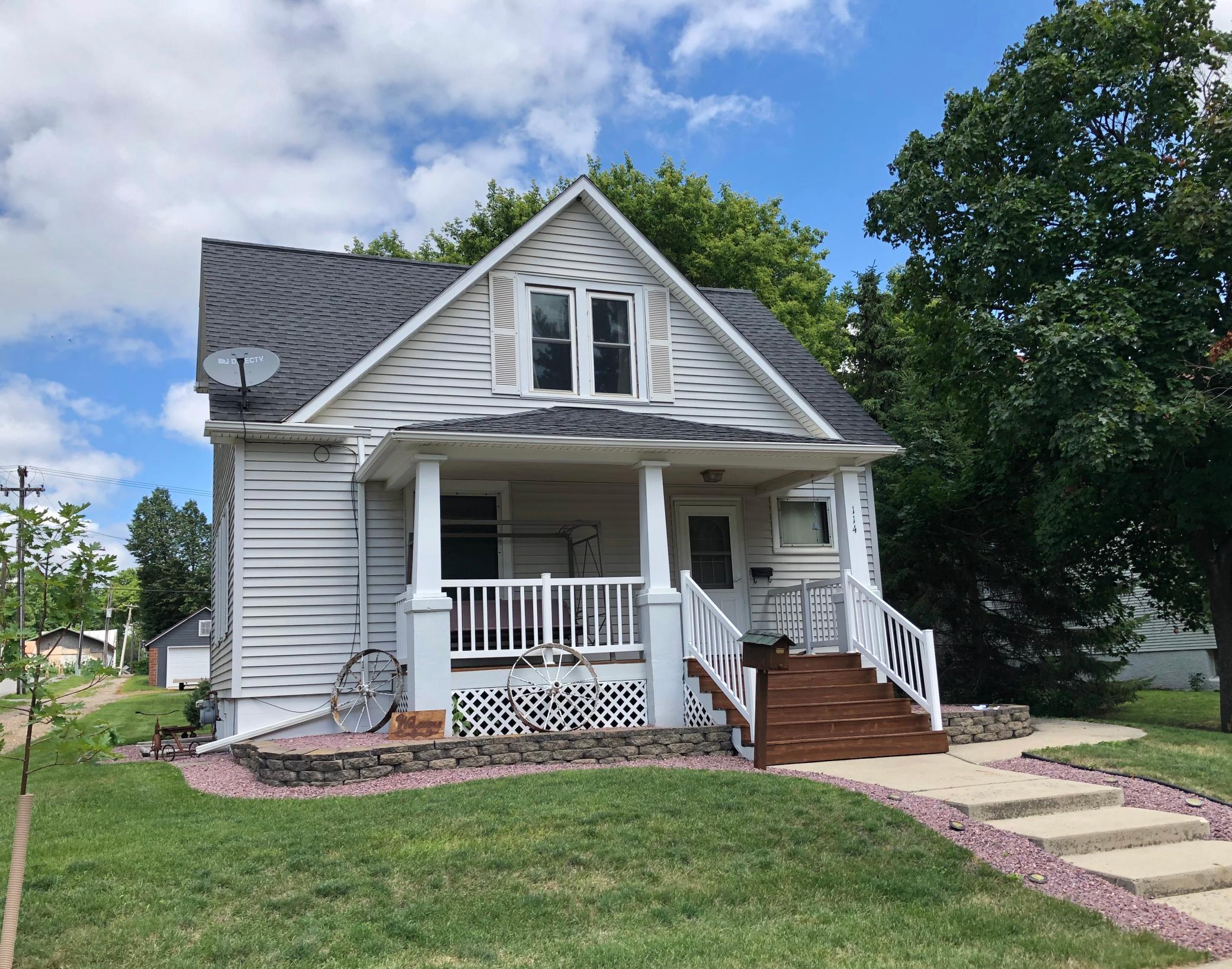 114 E Sanborn Street Property Photo - Springfield, MN real estate listing