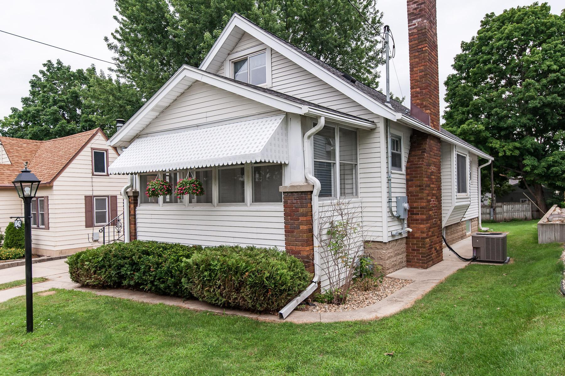 1042 6th Avenue Property Photo - Rochester, MN real estate listing