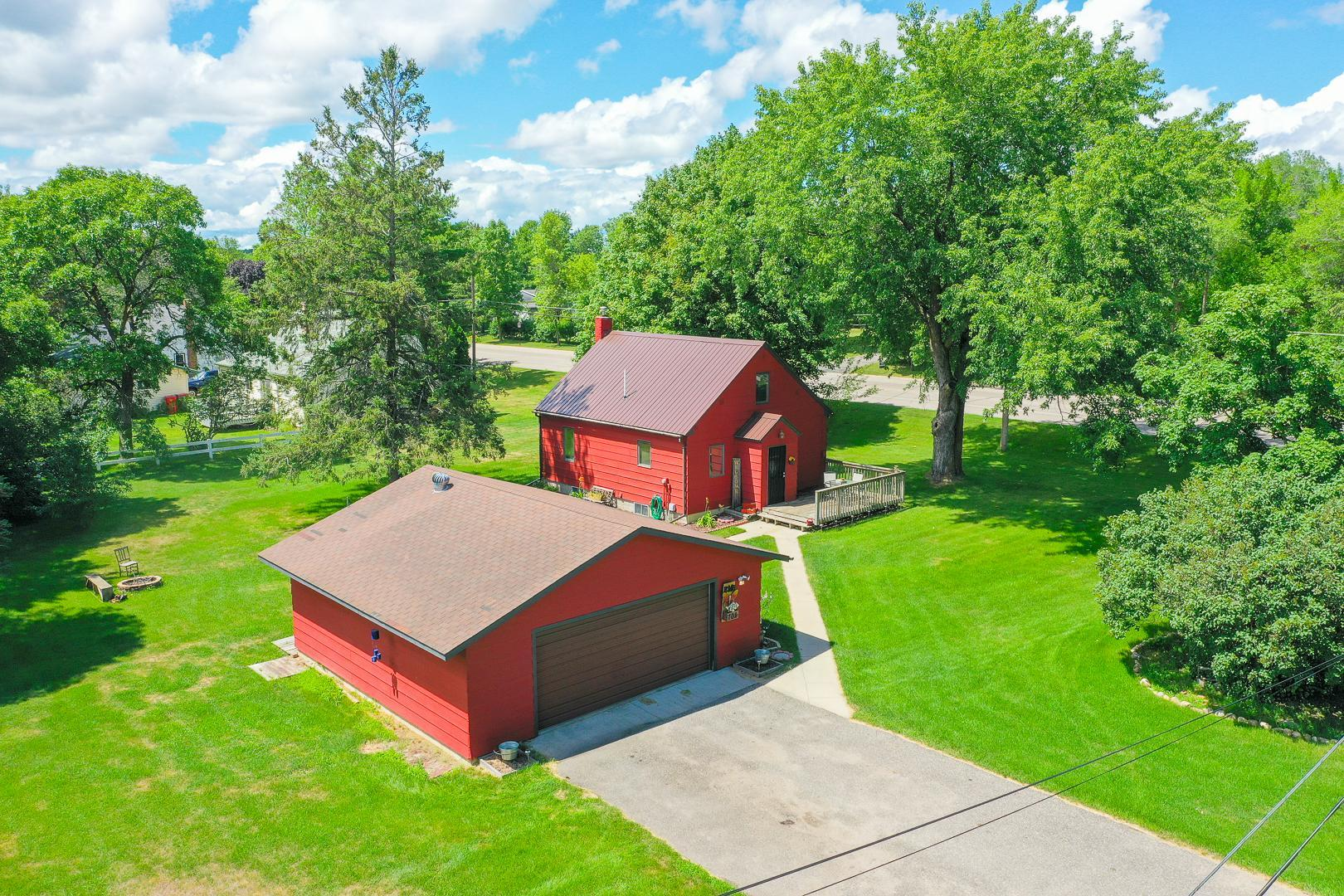 702 Meadowlark Drive SW Property Photo - Alexandria, MN real estate listing