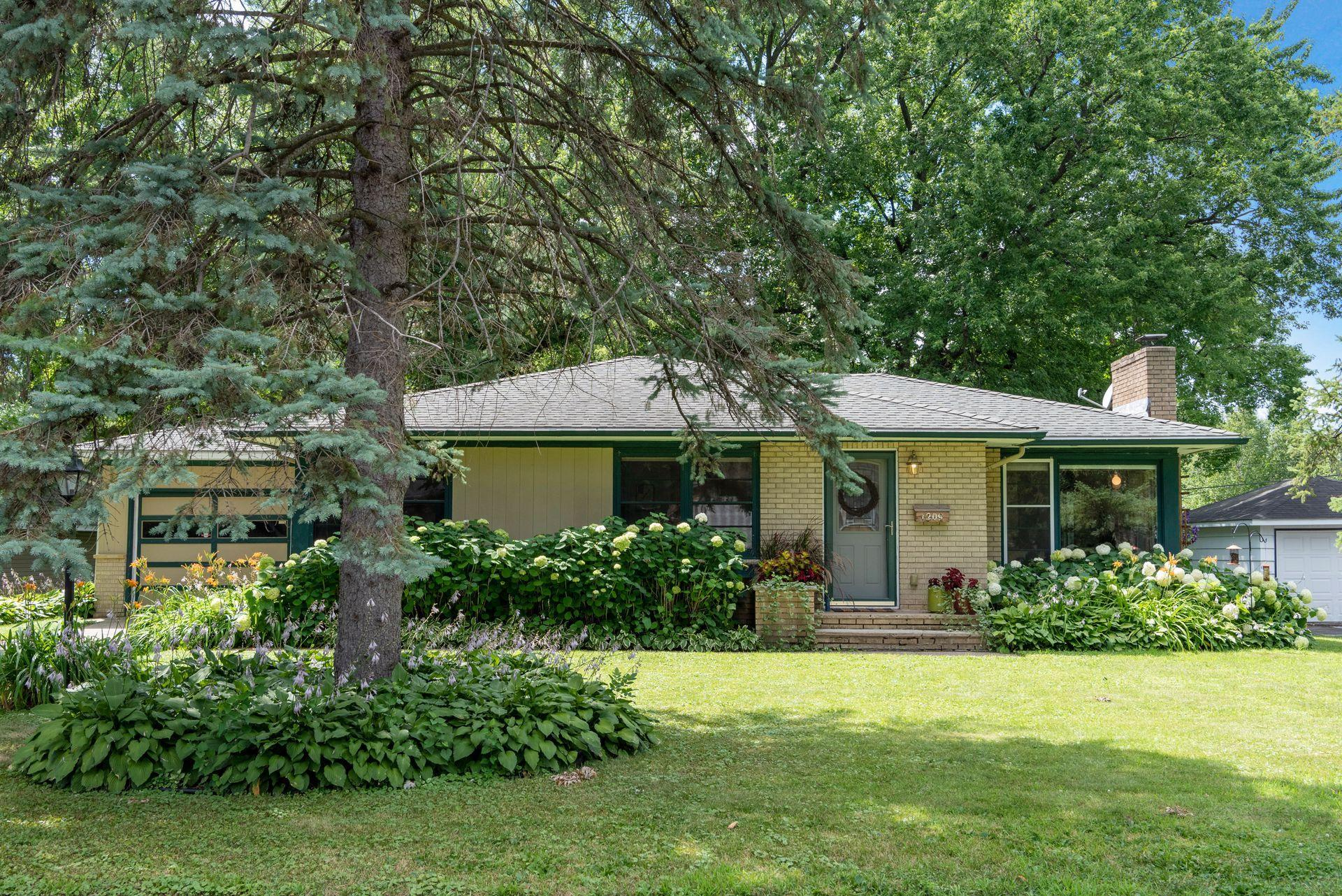 1209 Rhode Island Avenue N Property Photo - Golden Valley, MN real estate listing