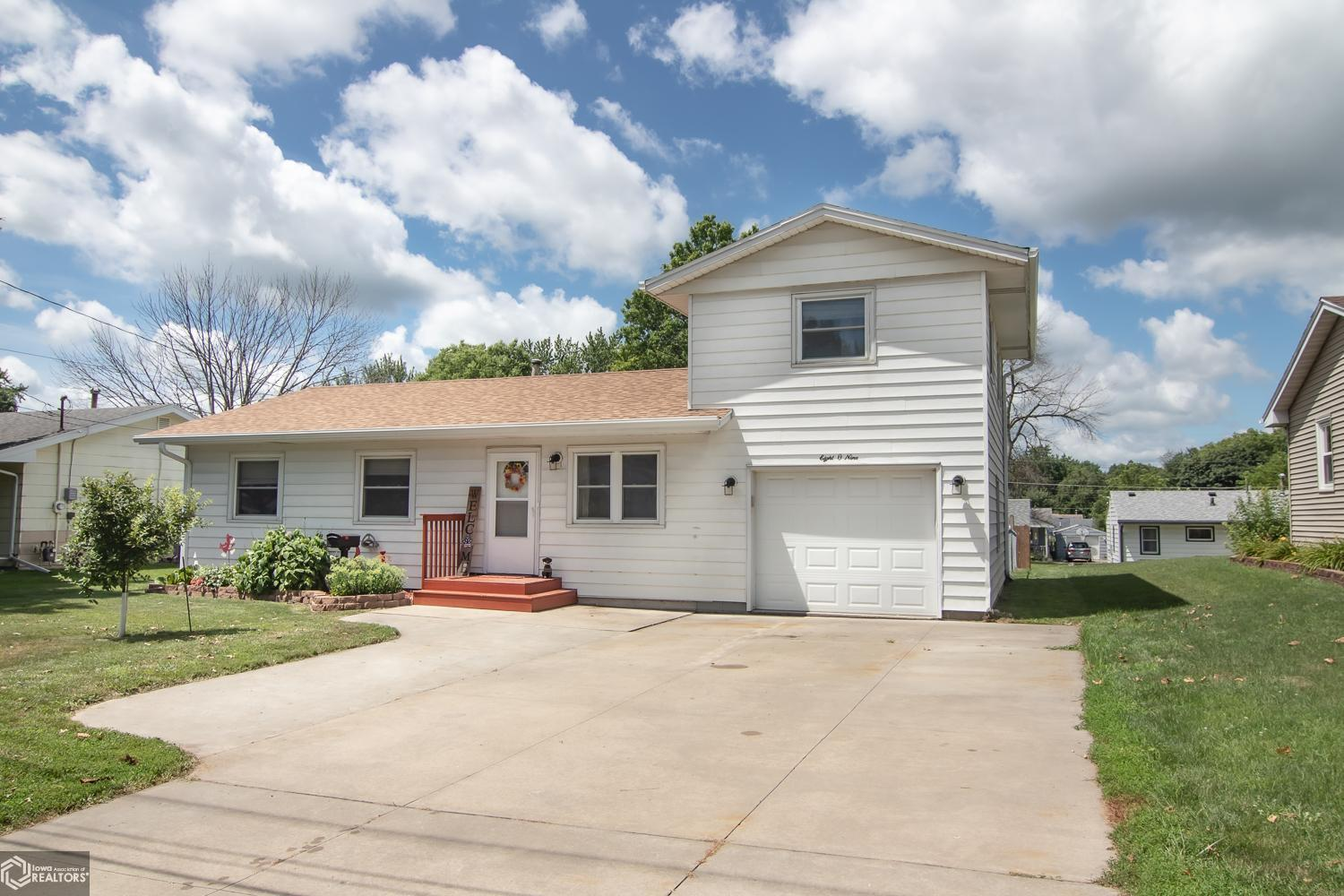 809 E 14th Street N Property Photo - Newton, IA real estate listing