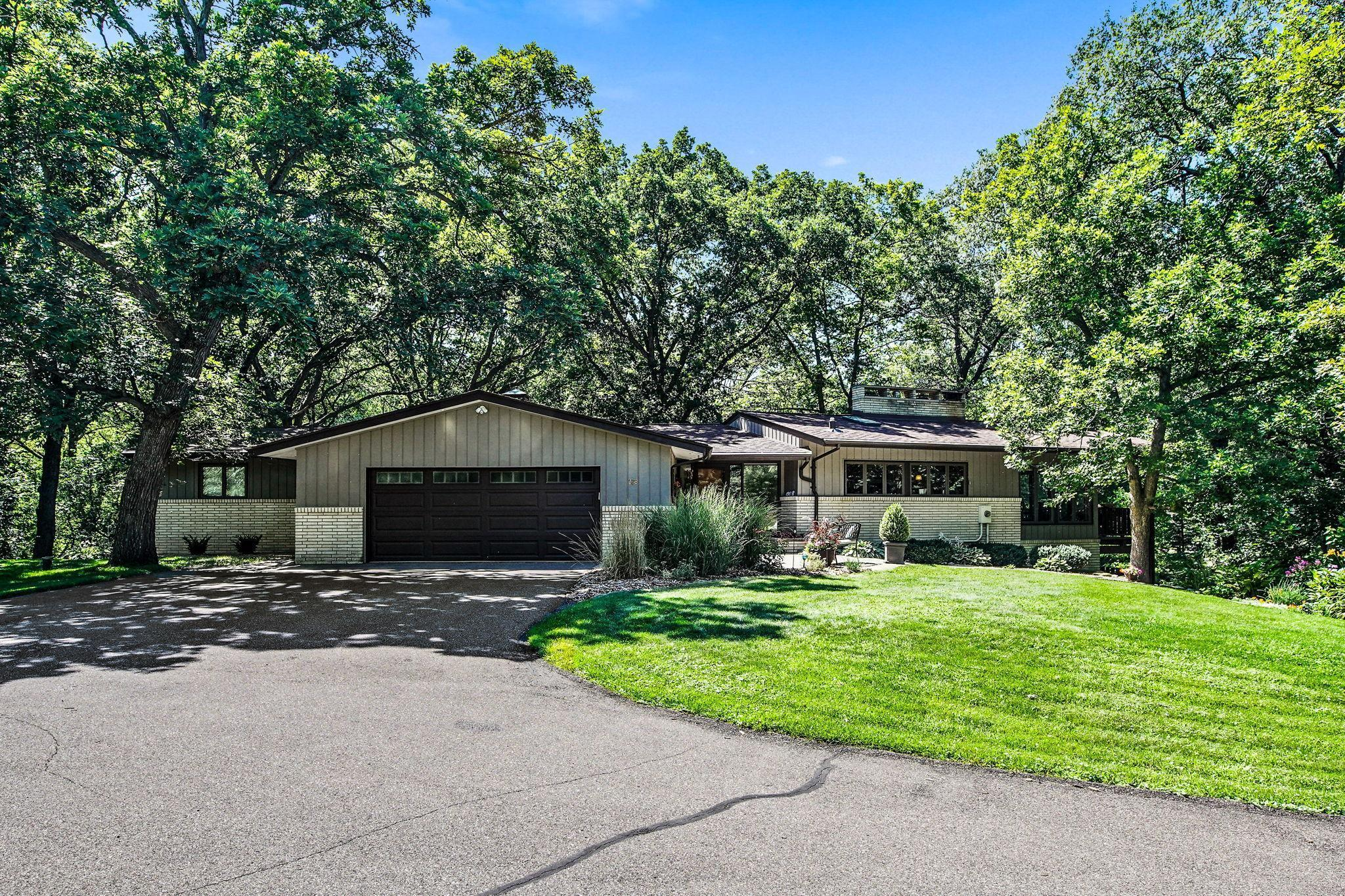 728 Timber Lane Property Photo - Shoreview, MN real estate listing