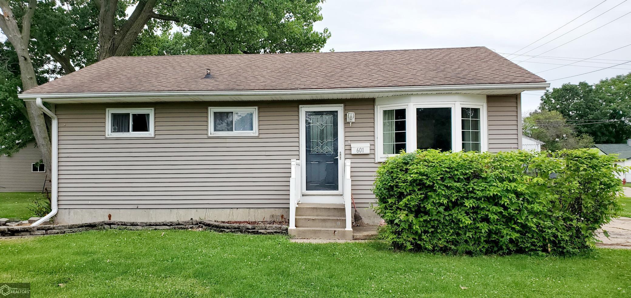 52655 Real Estate Listings Main Image