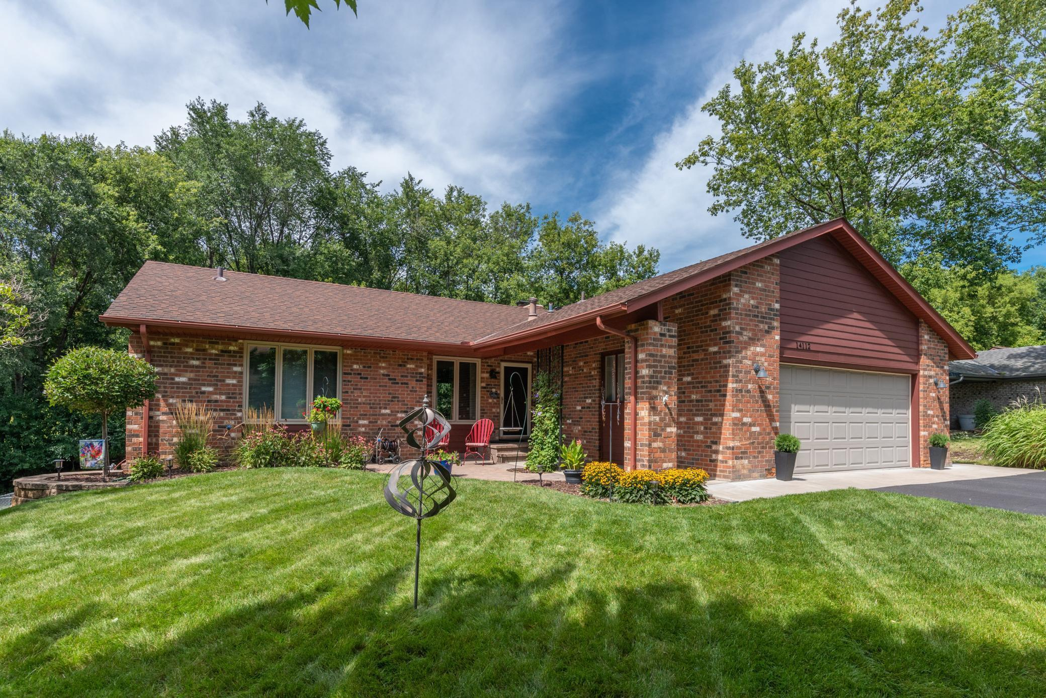 14112 Vale Court Property Photo - Eden Prairie, MN real estate listing