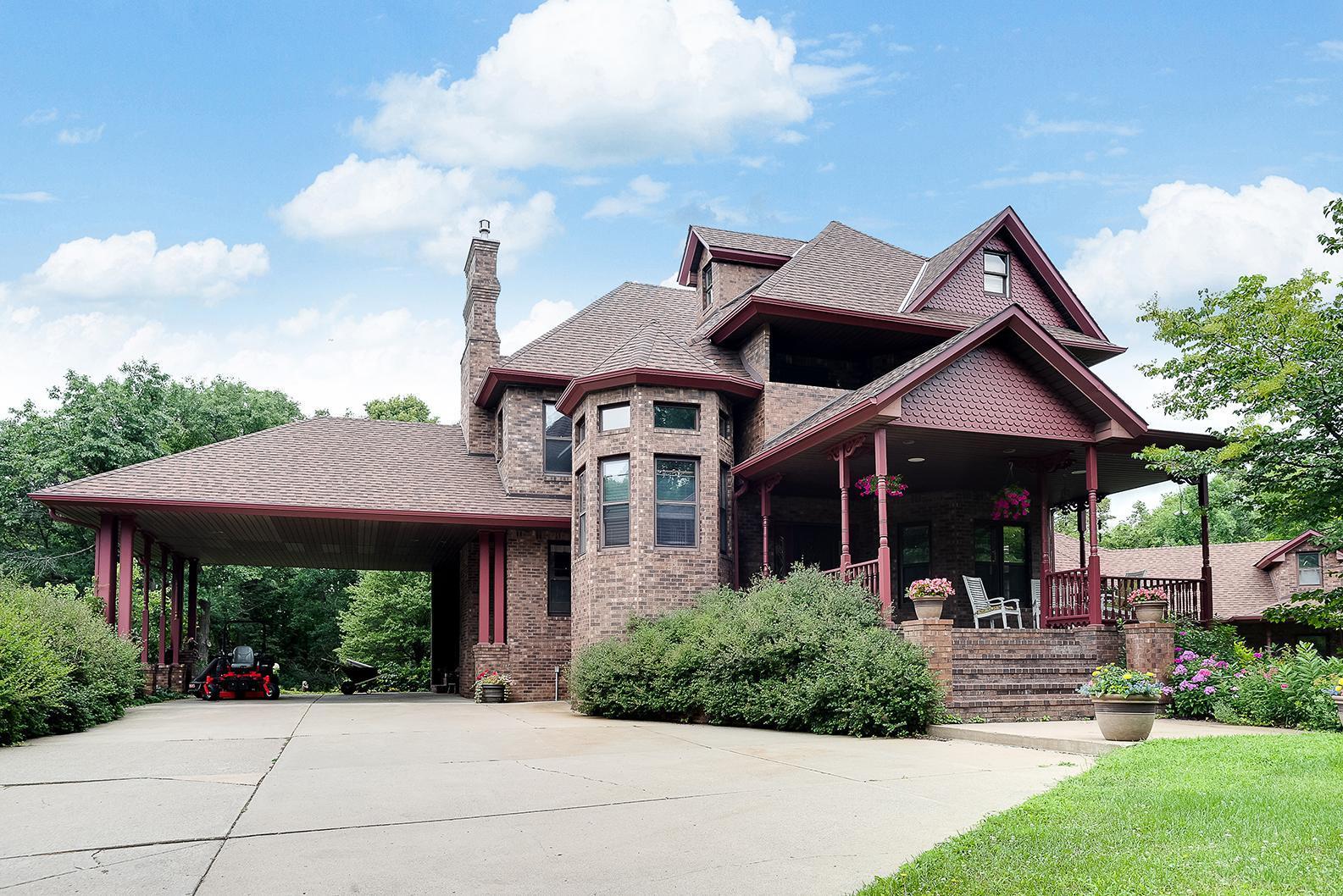 2875 Rodeo Drive Ne Property Photo