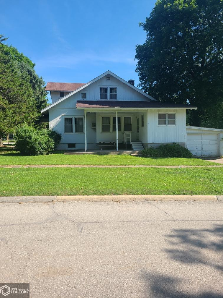 106 Lincoln Property Photo - Mount Ayr, IA real estate listing