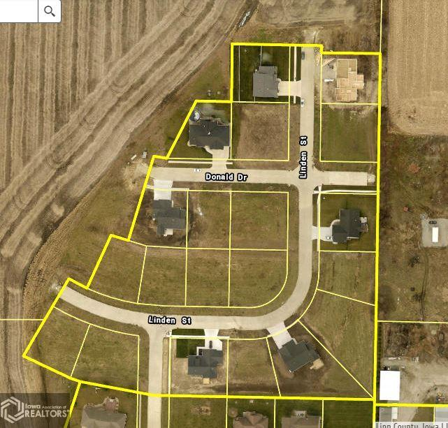 400 Linden Street Property Photo - Alburnett, IA real estate listing