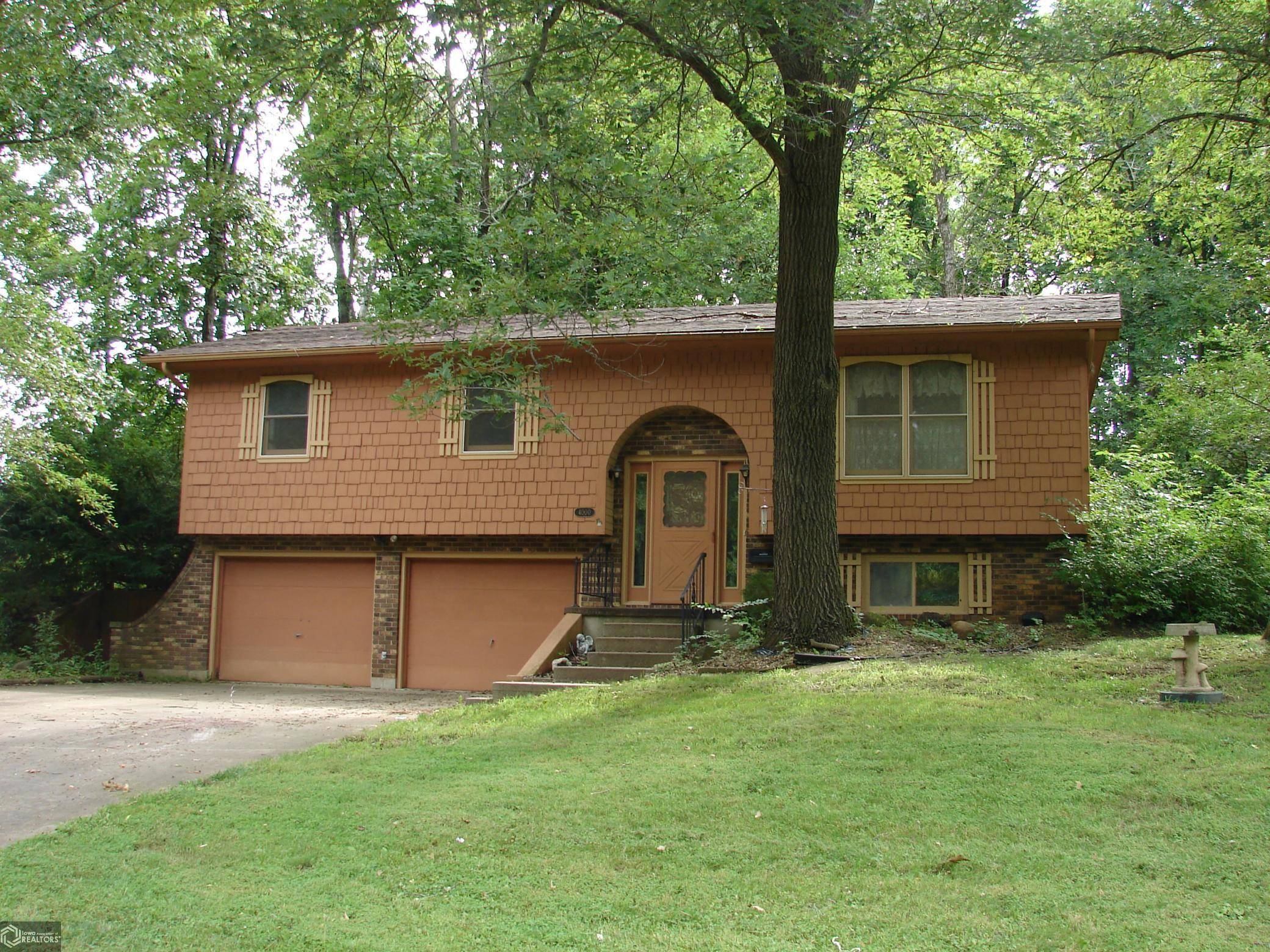 4000 Sycamore Property Photo - Mount Pleasant, IA real estate listing
