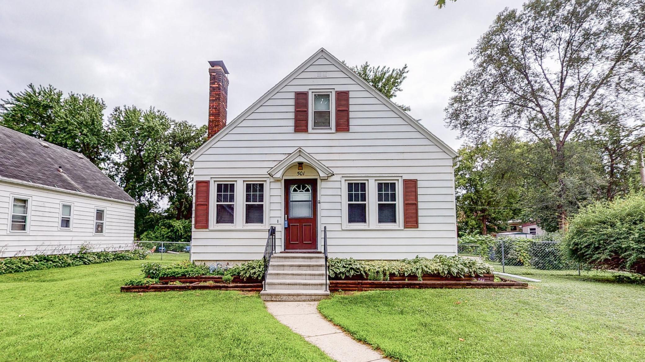 501 10th Avenue SE Property Photo - Rochester, MN real estate listing
