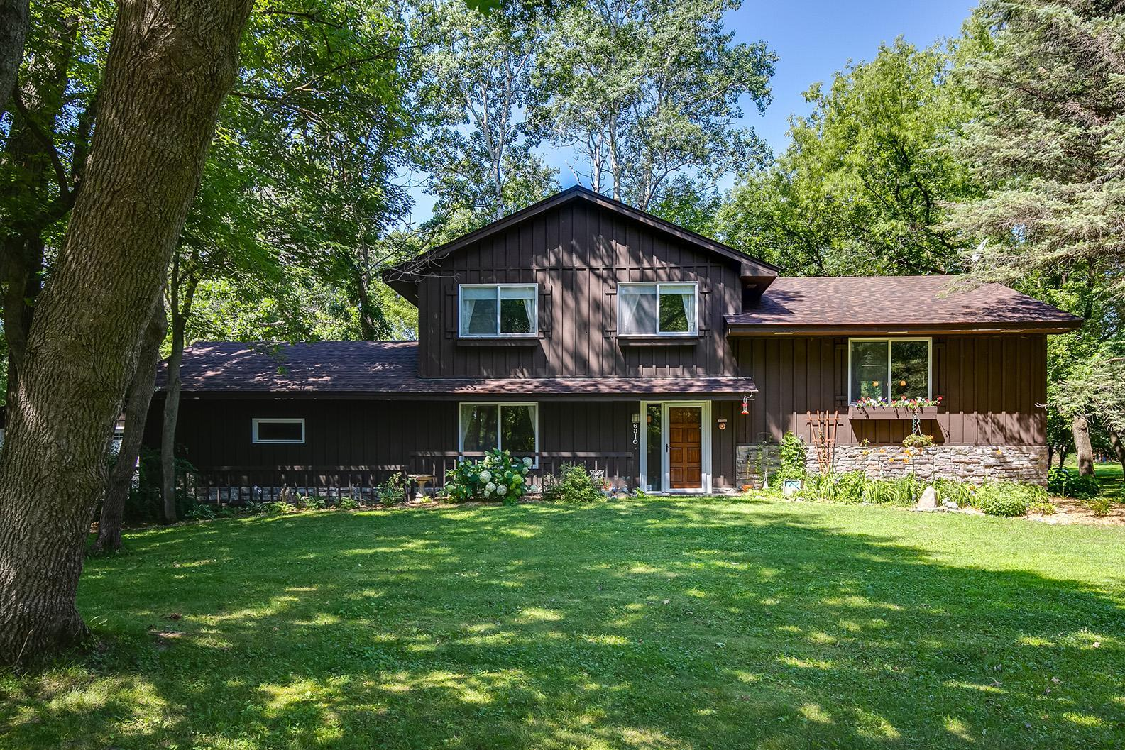6310 Red Maple Lane Property Photo - Lino Lakes, MN real estate listing