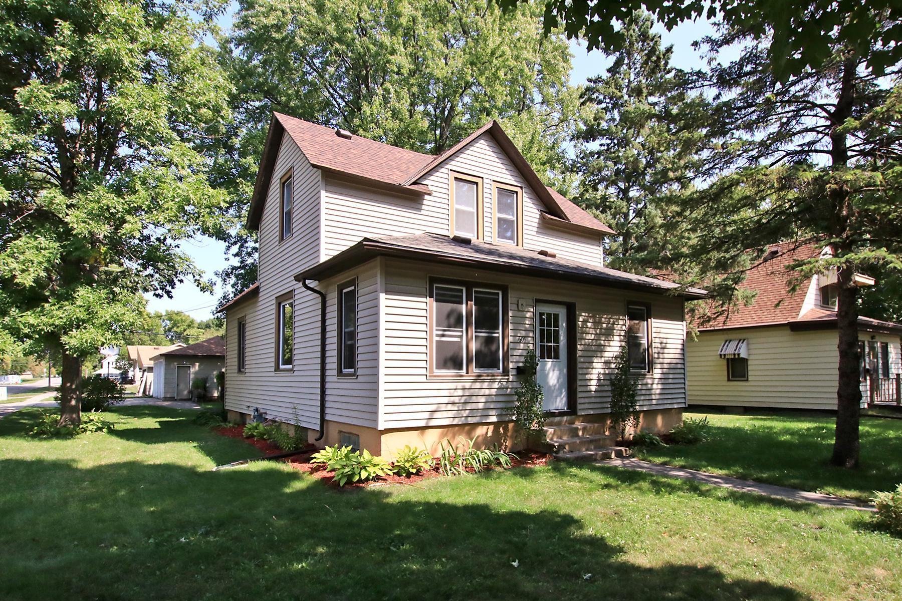 1605 10th Street E Property Photo - Glencoe, MN real estate listing