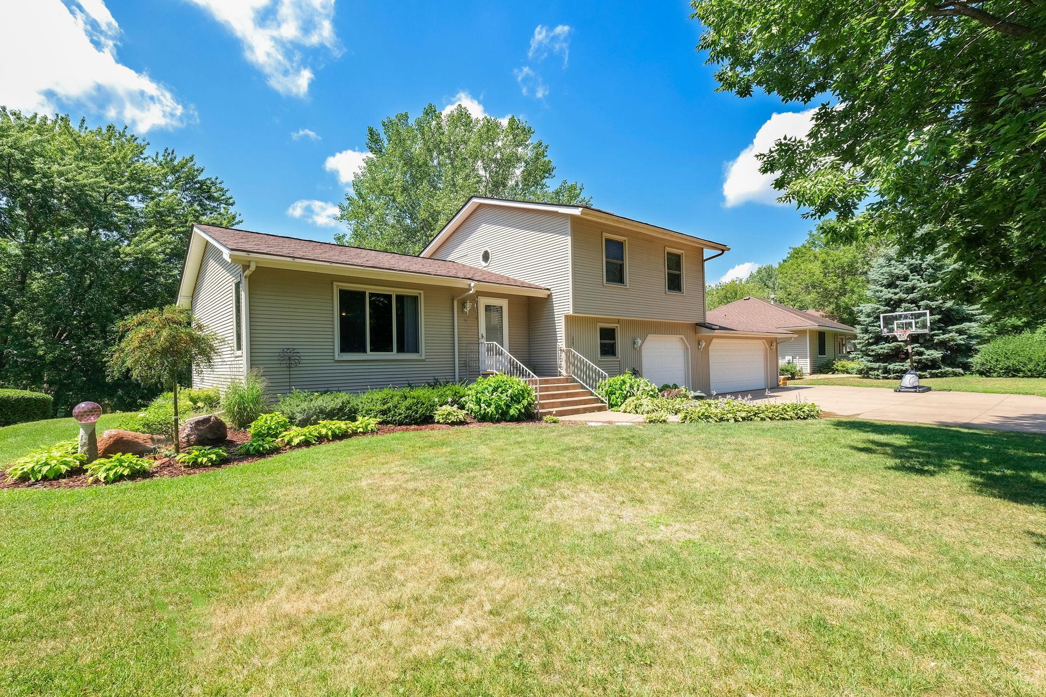 113 Canterbury Road Property Photo - Circle Pines, MN real estate listing