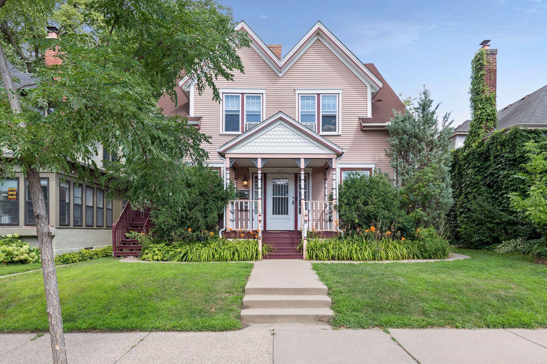 3035 Irving Avenue S Property Photo