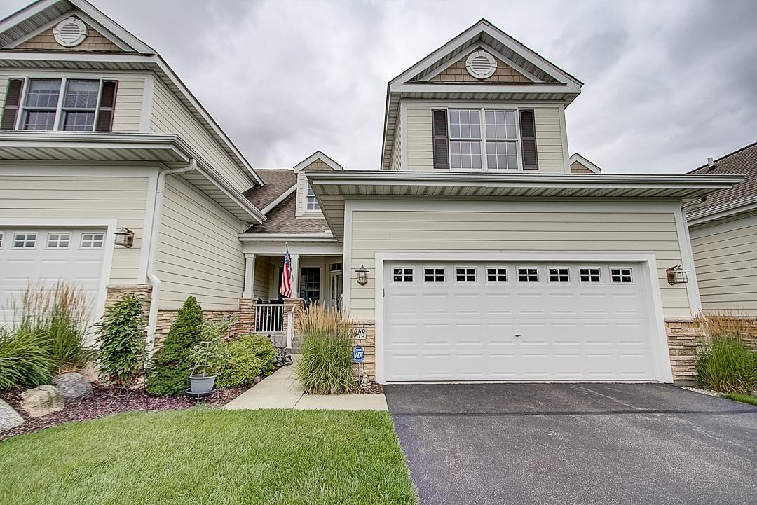 4848 Steeplechase Circle Property Photo - Eagan, MN real estate listing