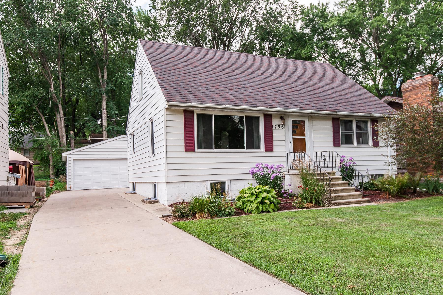 1736 2nd Street NW Property Photo - Rochester, MN real estate listing