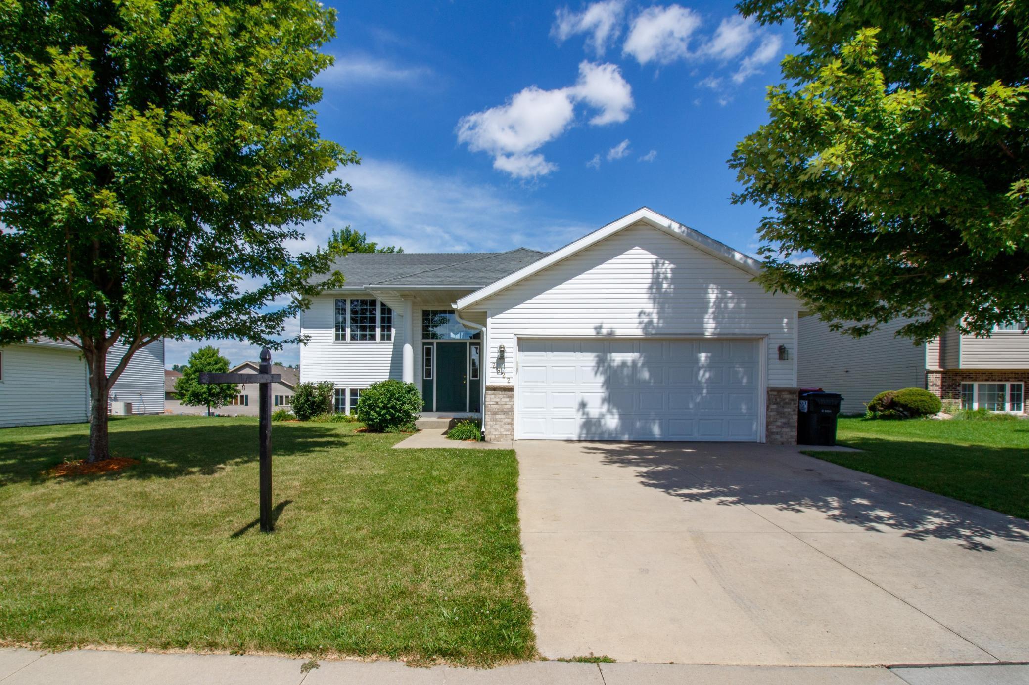 2922 Kenosha Drive NW Property Photo - Rochester, MN real estate listing