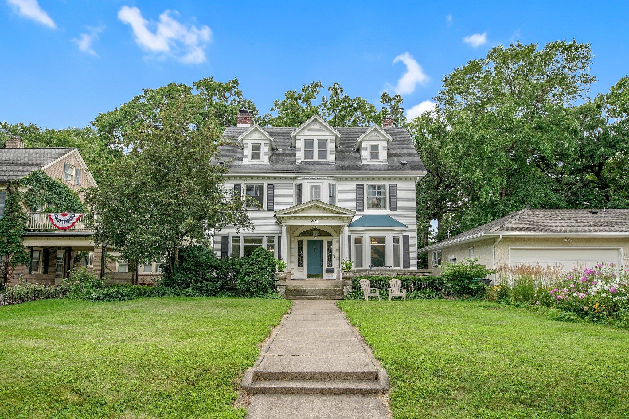 2760 W River Parkway Property Photo - Minneapolis, MN real estate listing