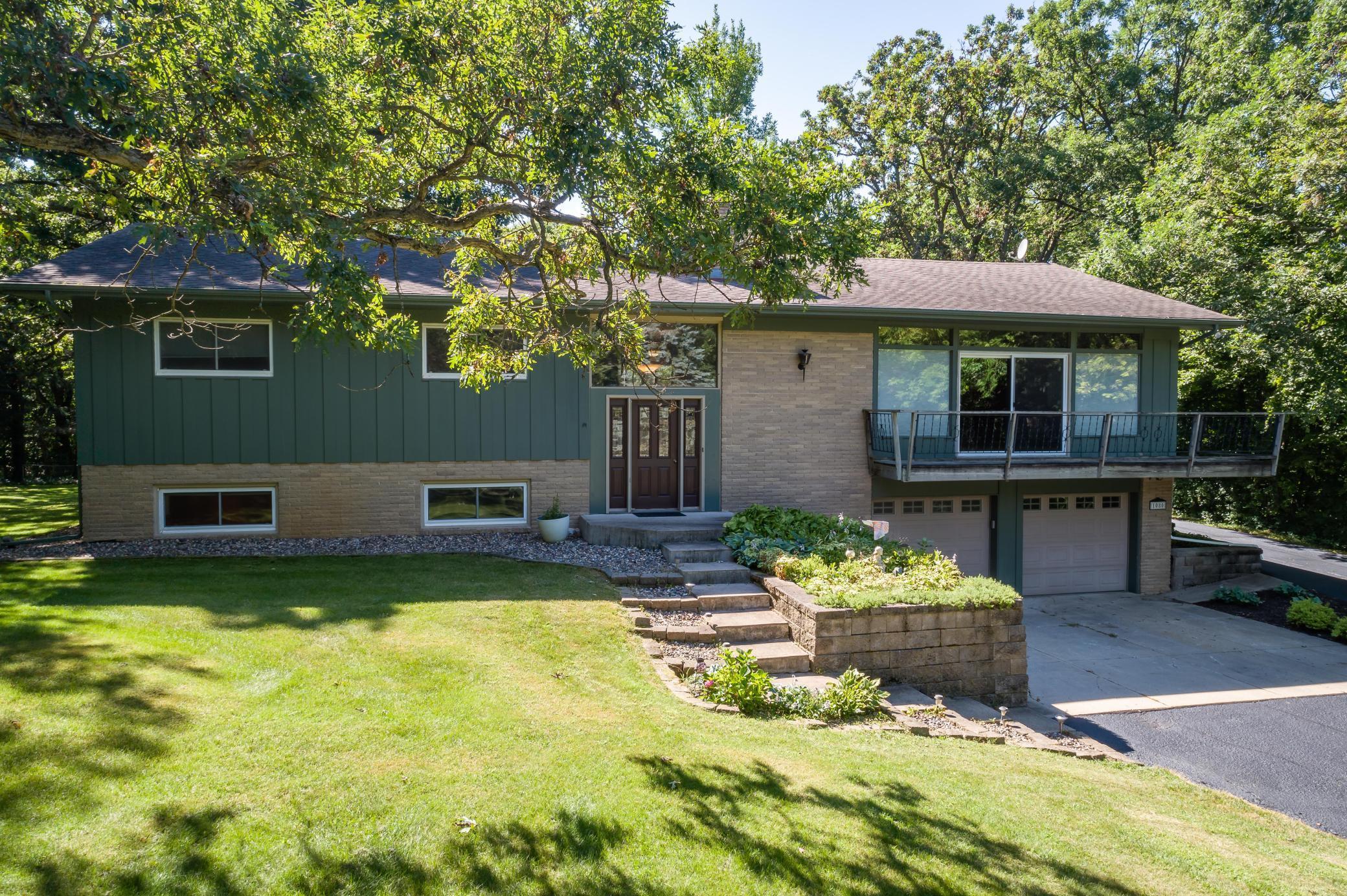 1080 Oakview Drive Property Photo