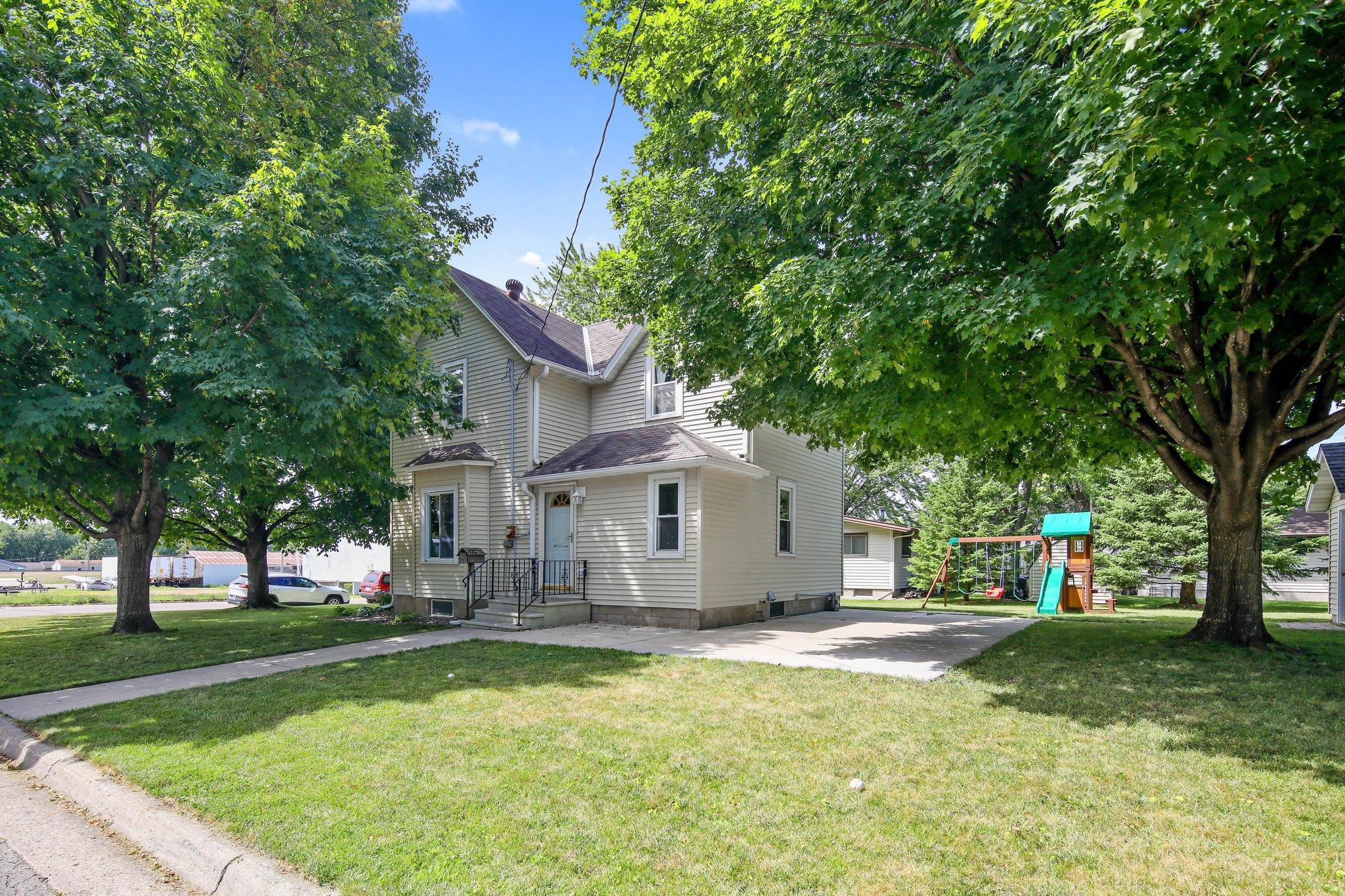 1629 14th Street E Property Photo - Glencoe, MN real estate listing