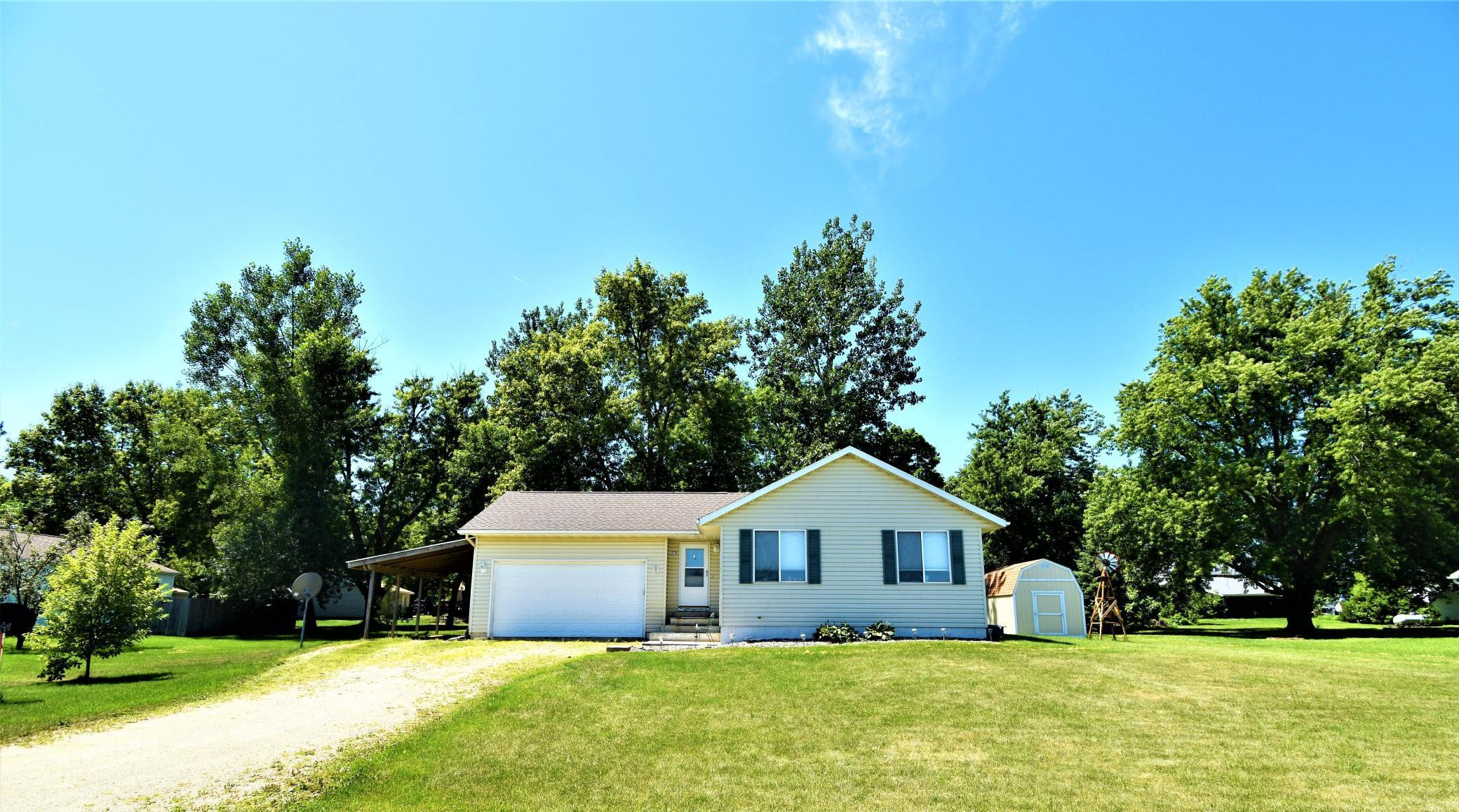 276 Pine Street Property Photo - Dexter, MN real estate listing
