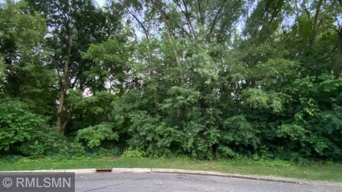 6875 Harold Avenue Property Photo - Golden Valley, MN real estate listing