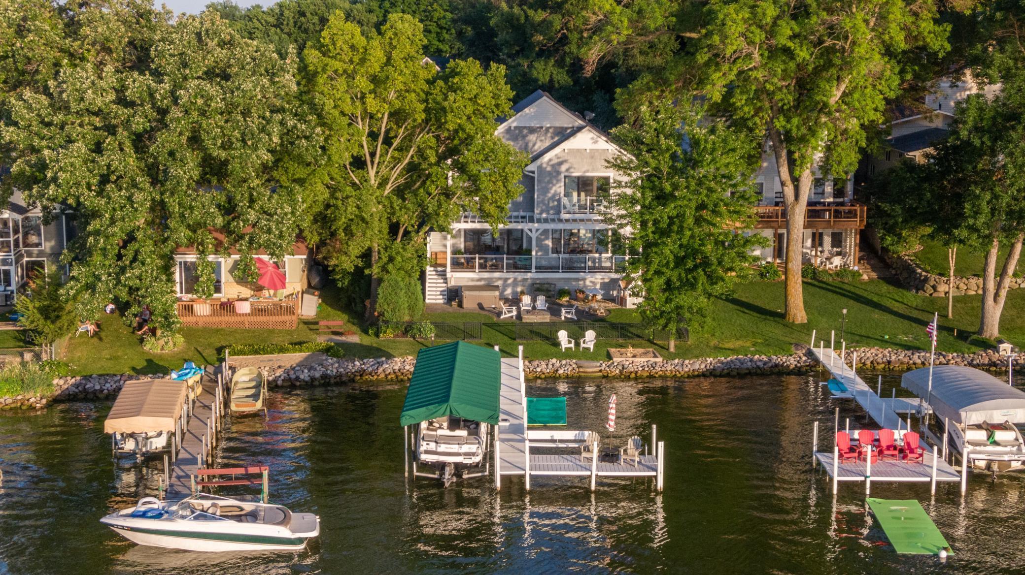 2051 Arbor Lane Property Photo - Mound, MN real estate listing