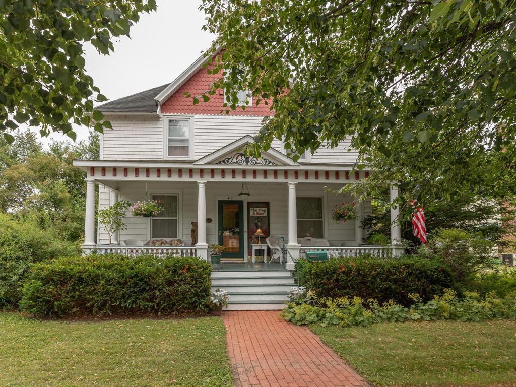 411 W Center Street Property Photo - Lake City, MN real estate listing