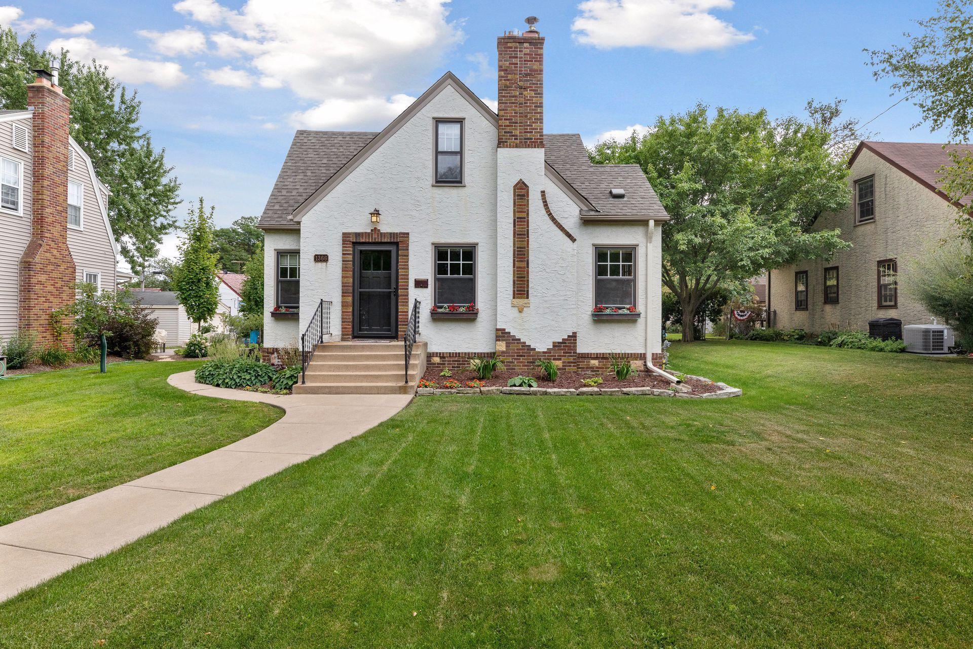 1366 Iowa Avenue W Property Photo - Falcon Heights, MN real estate listing