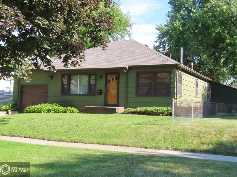 411 14th Street Property Photo - Mason City, IA real estate listing