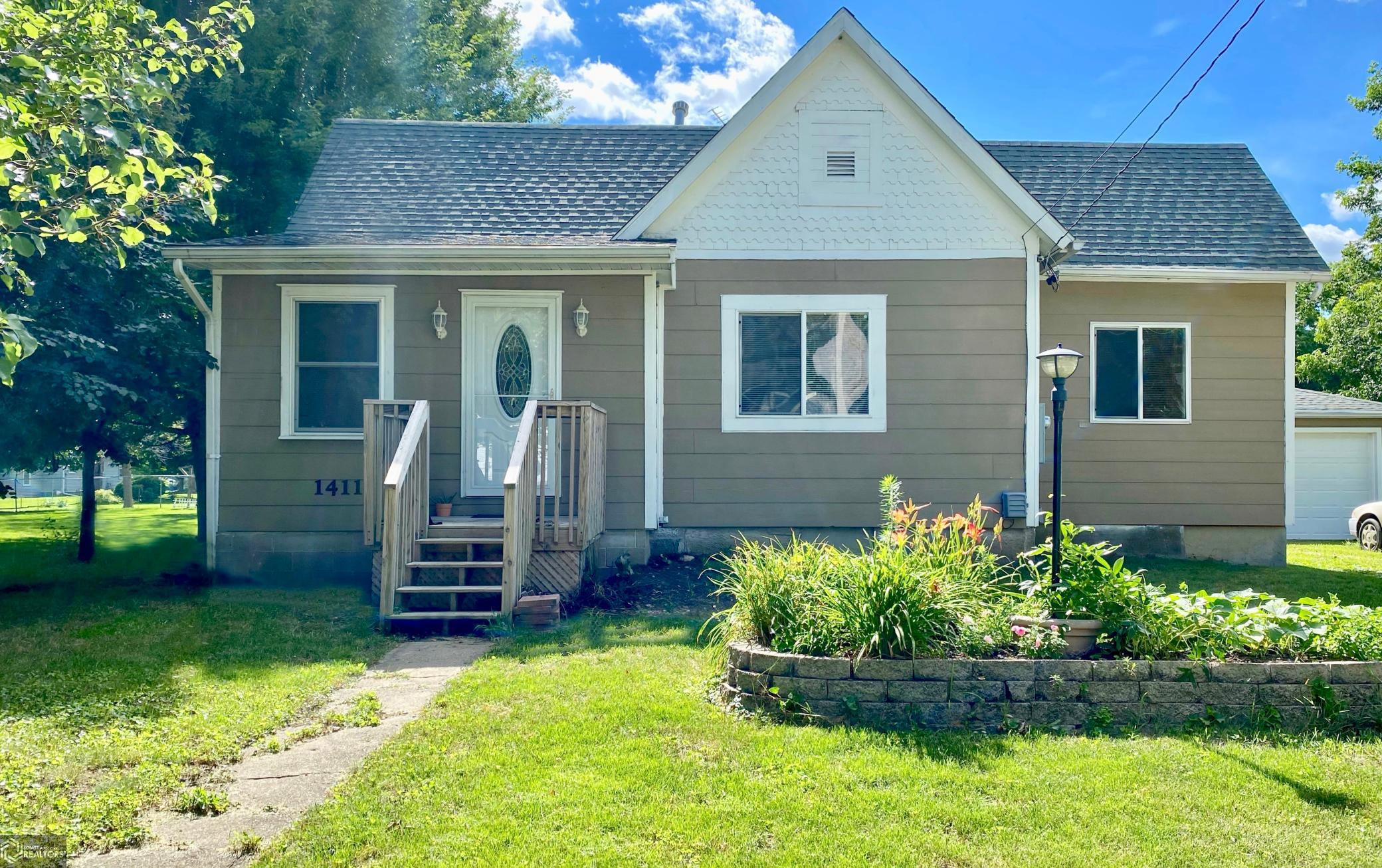1411 Reed Street Property Photo - Grinnell, IA real estate listing