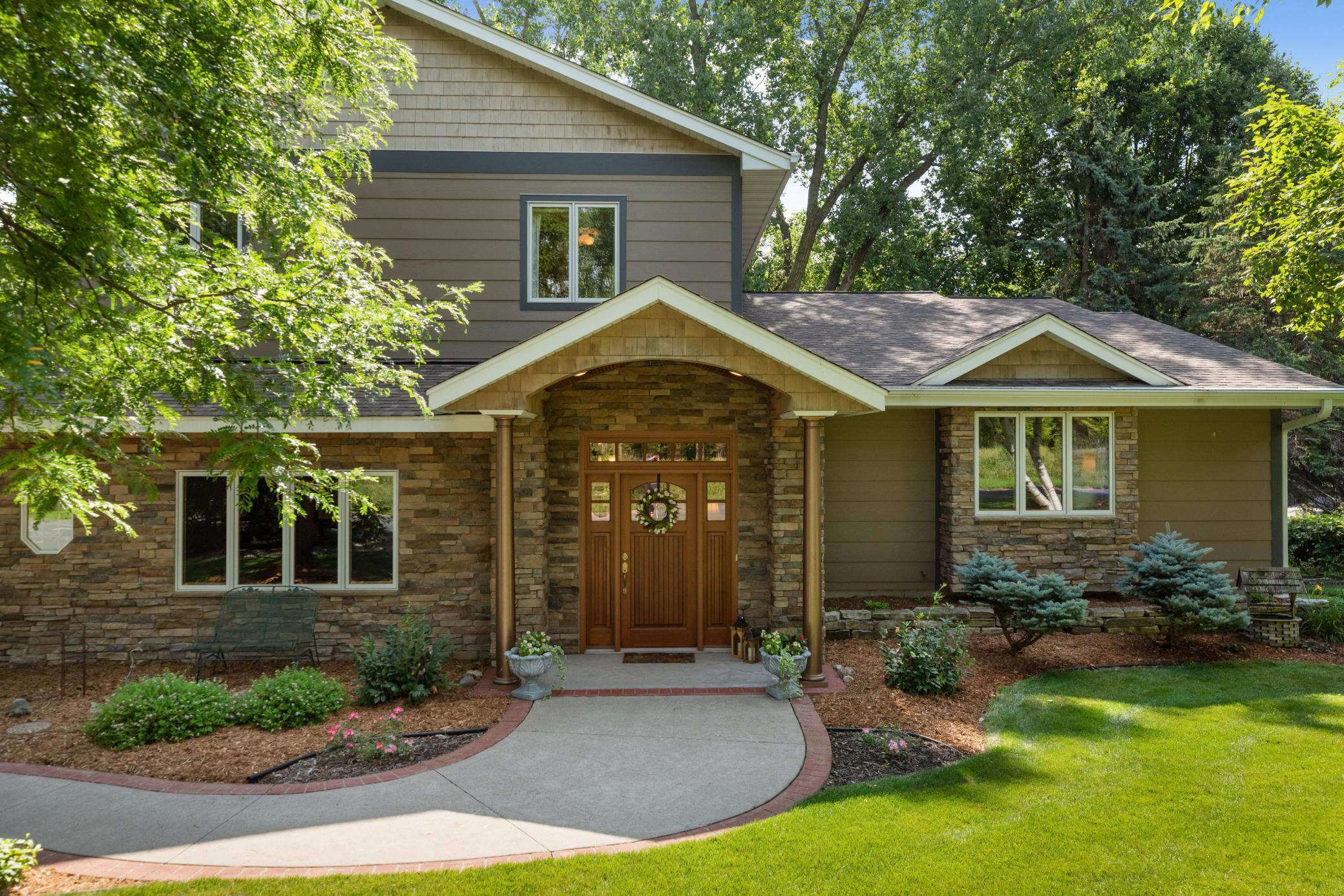 12781 Gordon Drive Property Photo - Eden Prairie, MN real estate listing
