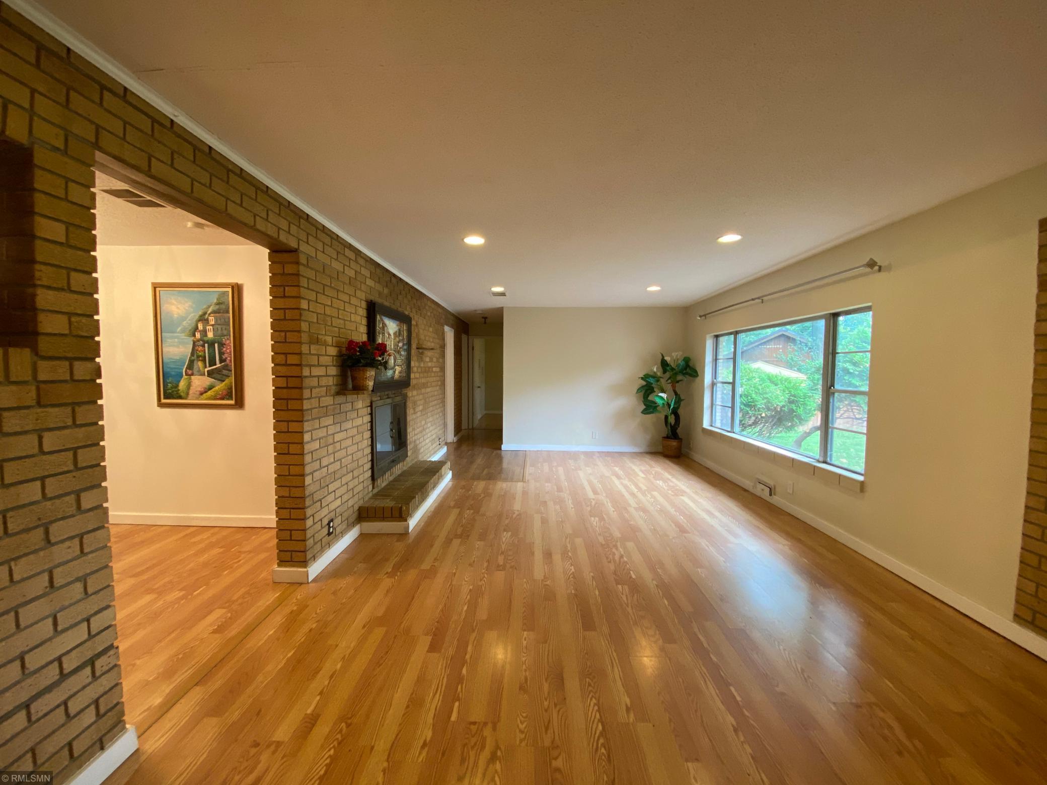 5321 Windsor Avenue Property Photo