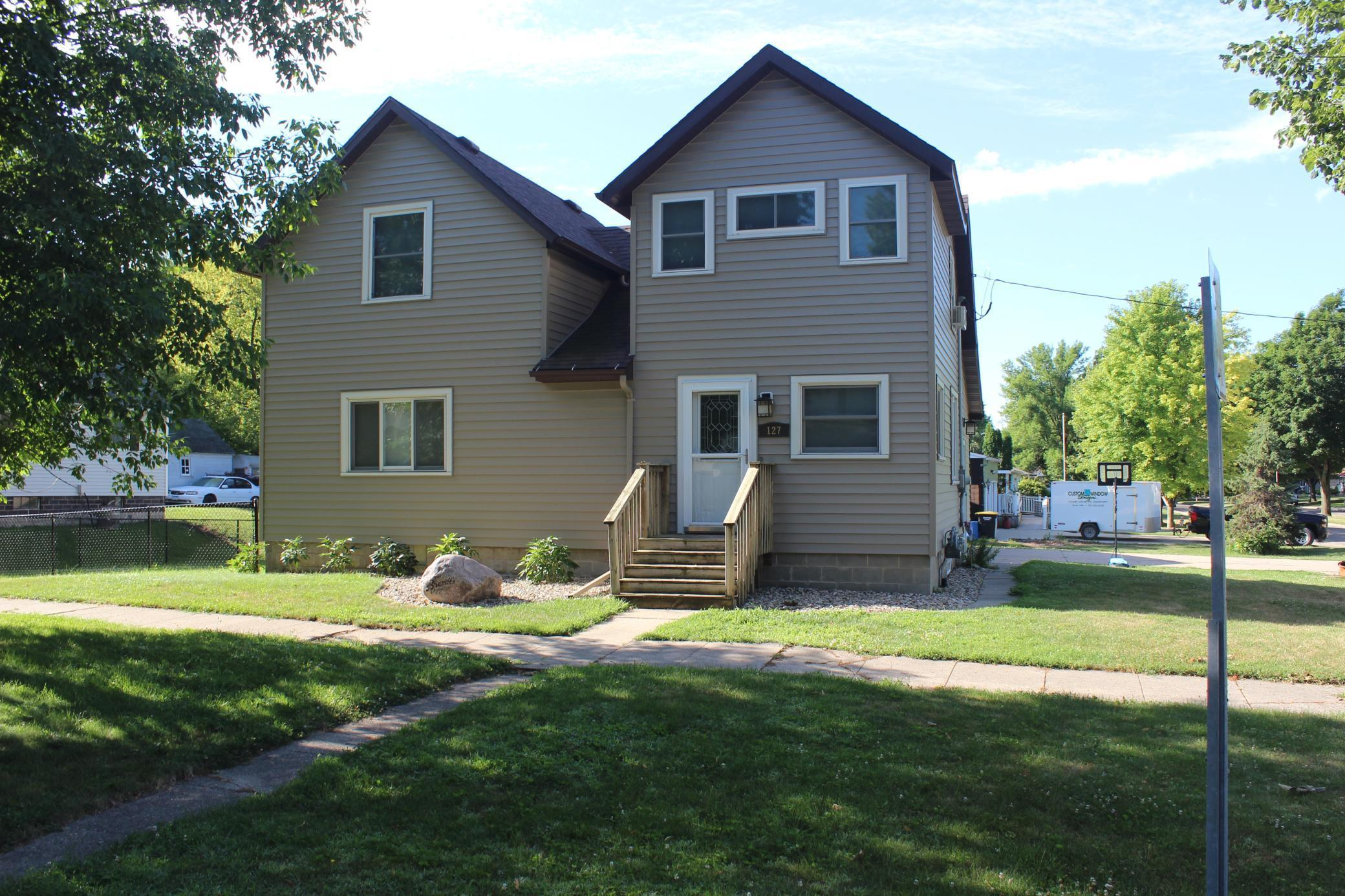 127 W 10th Street Property Photo - Blue Earth, MN real estate listing