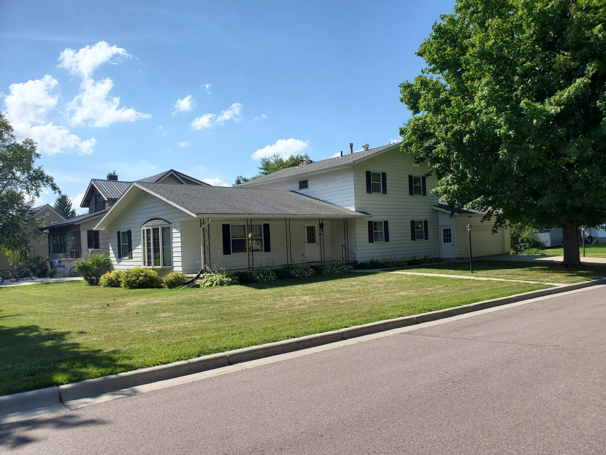 901 Walters Street Property Photo - Lakefield, MN real estate listing