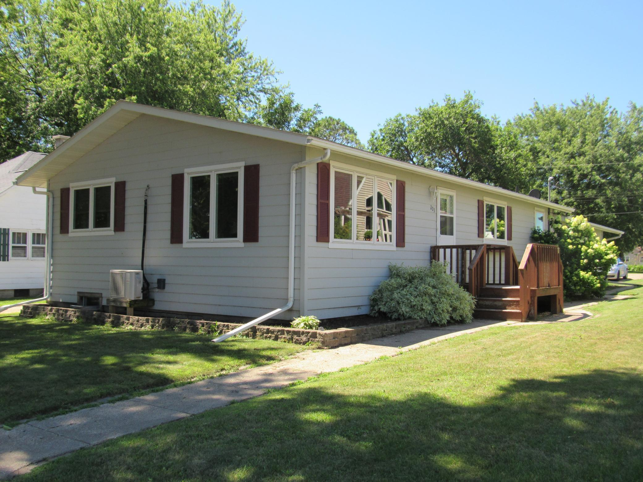 203 S St Paul Avenue Property Photo - Fulda, MN real estate listing