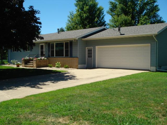 7 Circle Drive W Property Photo - Welcome, MN real estate listing