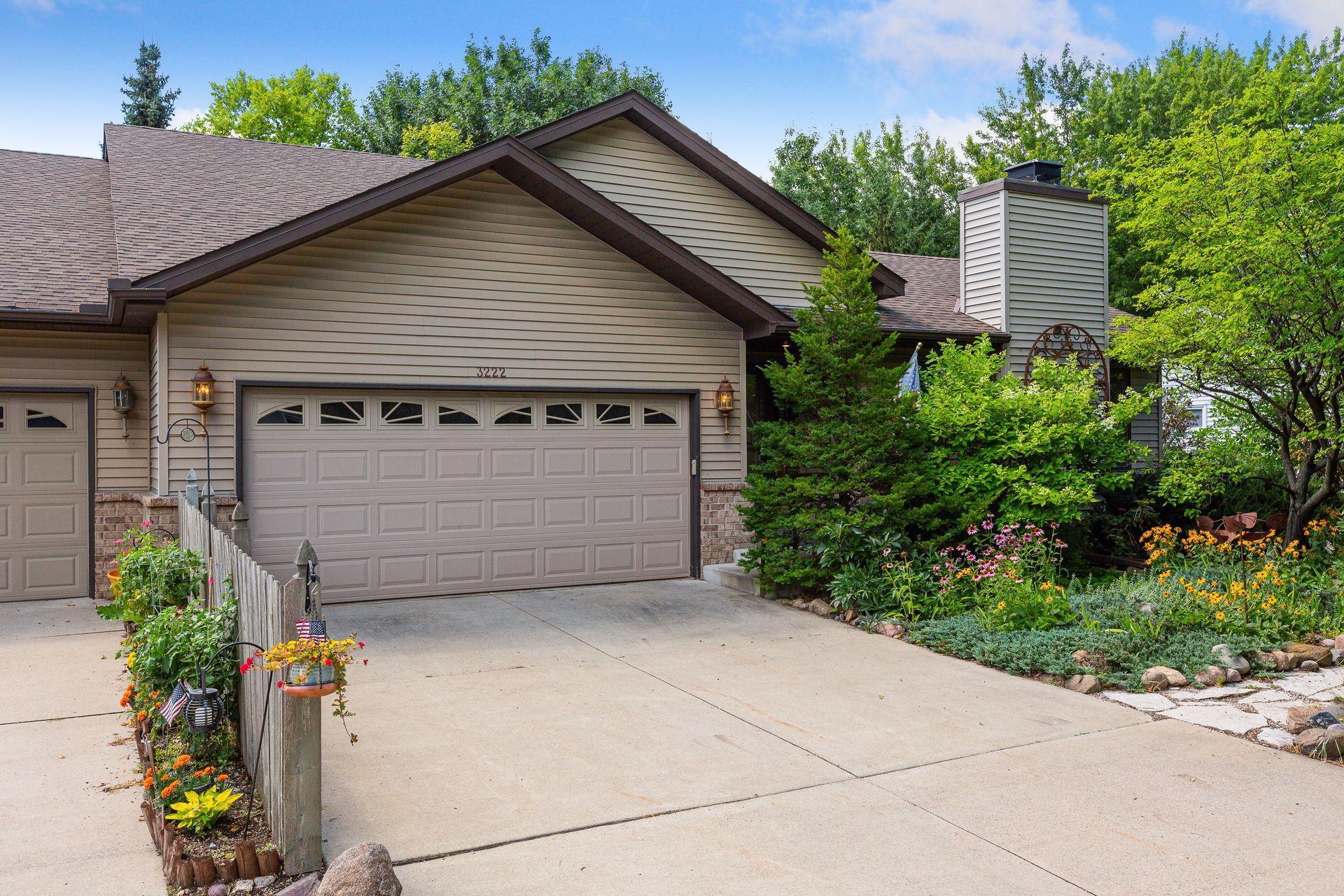 3222 29th Avenue NE Property Photo - Saint Anthony, MN real estate listing