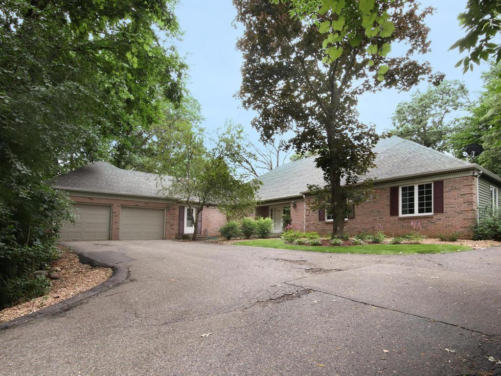 2905 Woods Trail S Property Photo - Burnsville, MN real estate listing