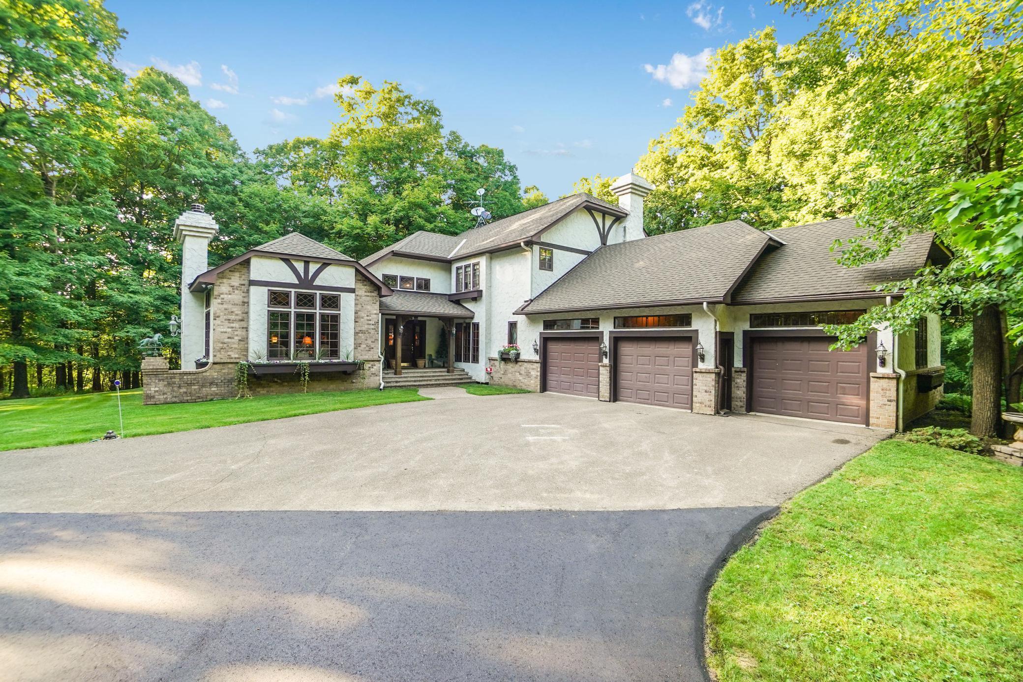 1548 Oak Ridge Lane Property Photo - Houlton, WI real estate listing