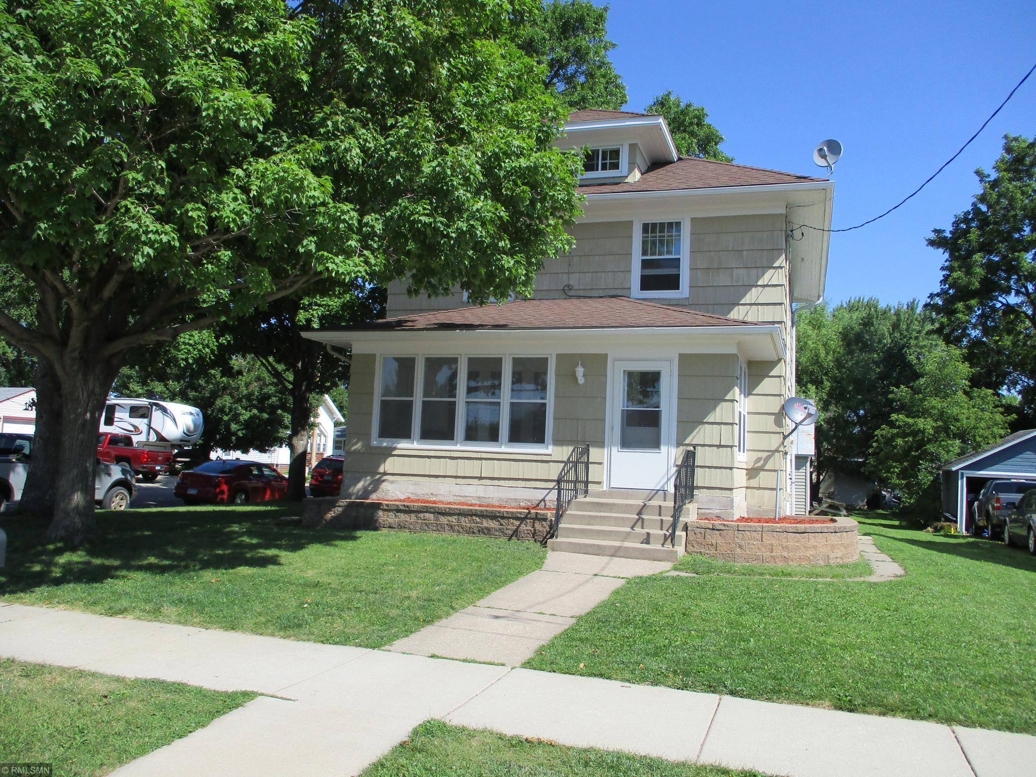 182 W Minnesota Street Property Photo - Le Center, MN real estate listing