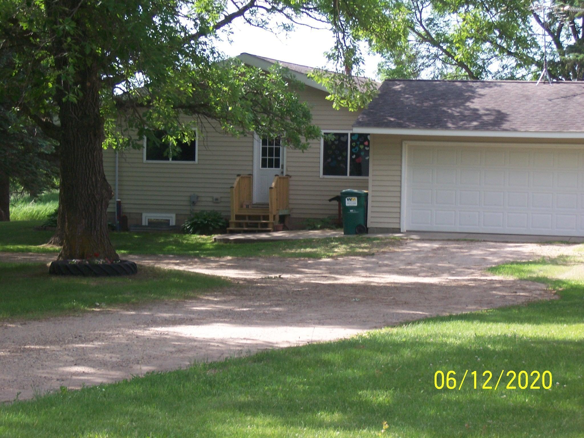 8208 County Road 14 Ne Property Photo