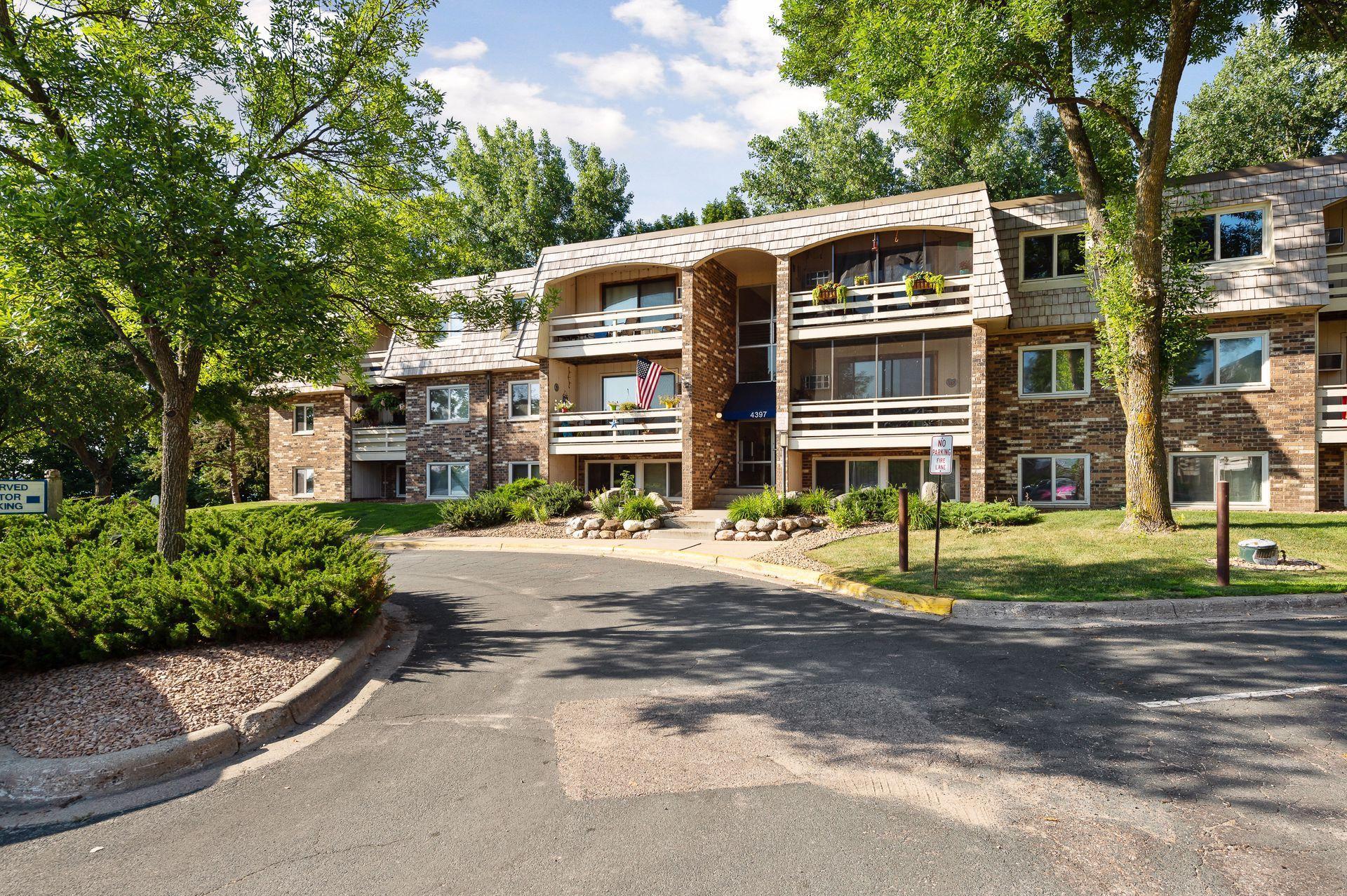 4397 Wilshire Boulevard #104 Property Photo