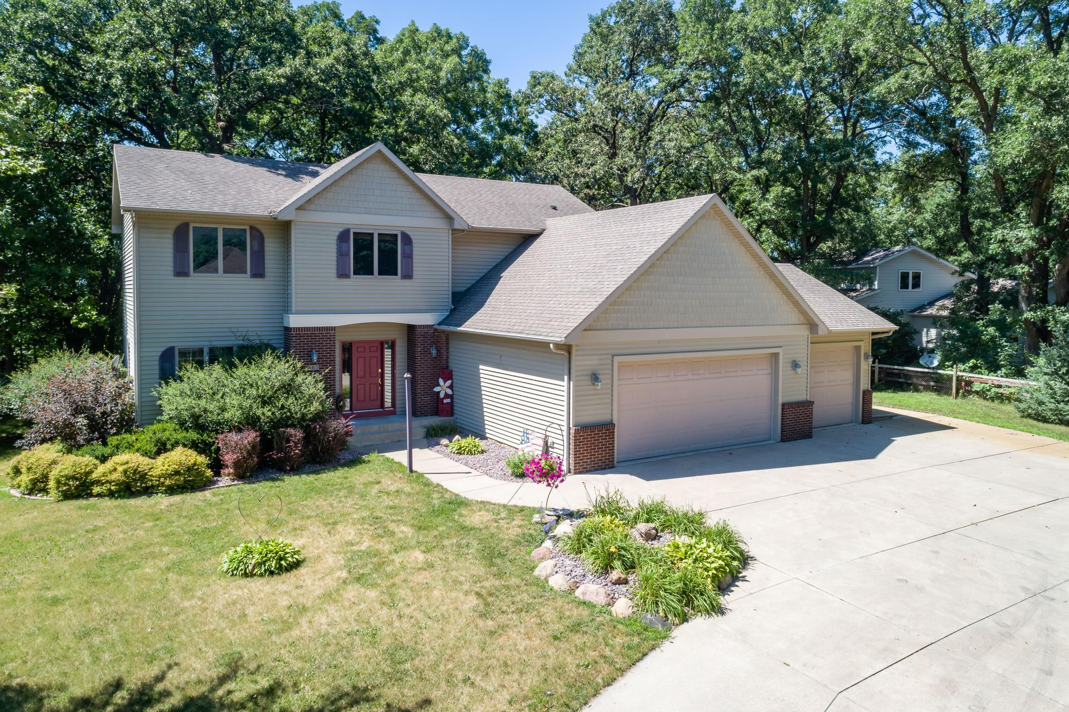 55049 Real Estate Listings Main Image