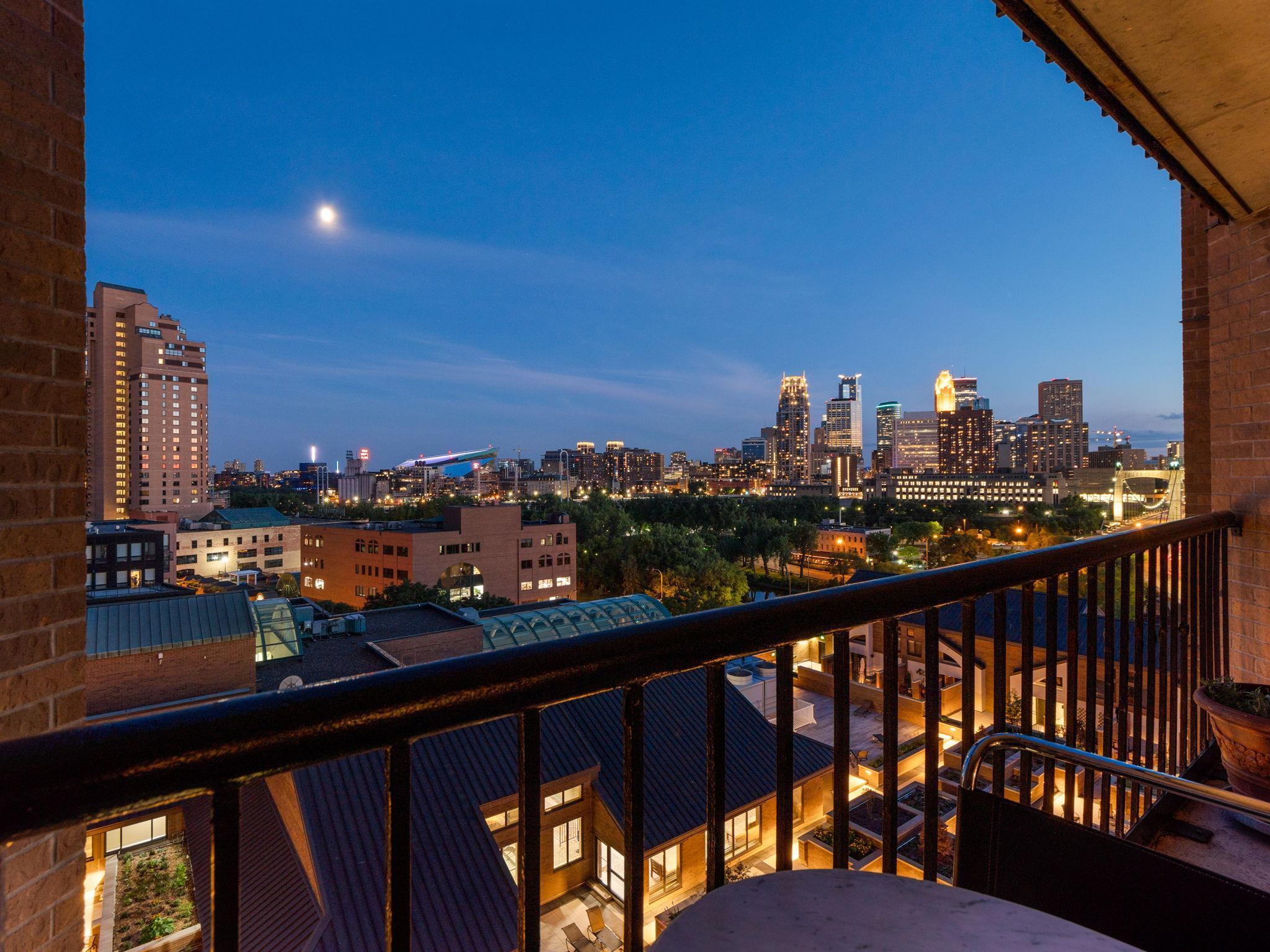 110 1st Avenue NE #F1001 Property Photo - Minneapolis, MN real estate listing