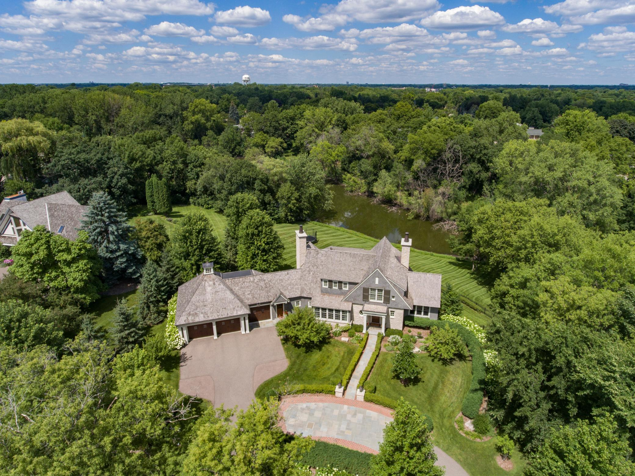 6400 Interlachen Boulevard Property Photo - Edina, MN real estate listing