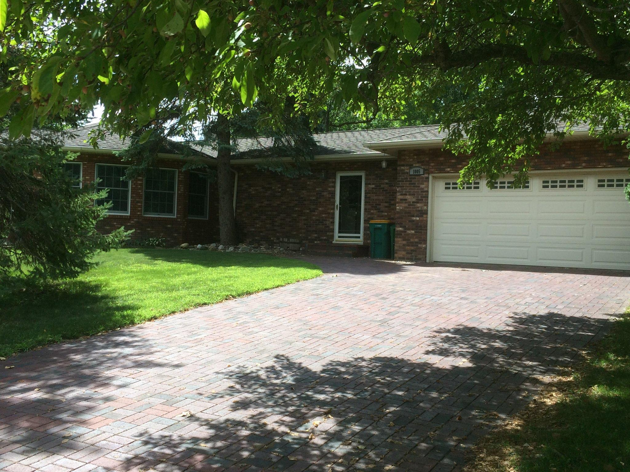 1005 W Richway Drive Property Photo - Albert Lea, MN real estate listing