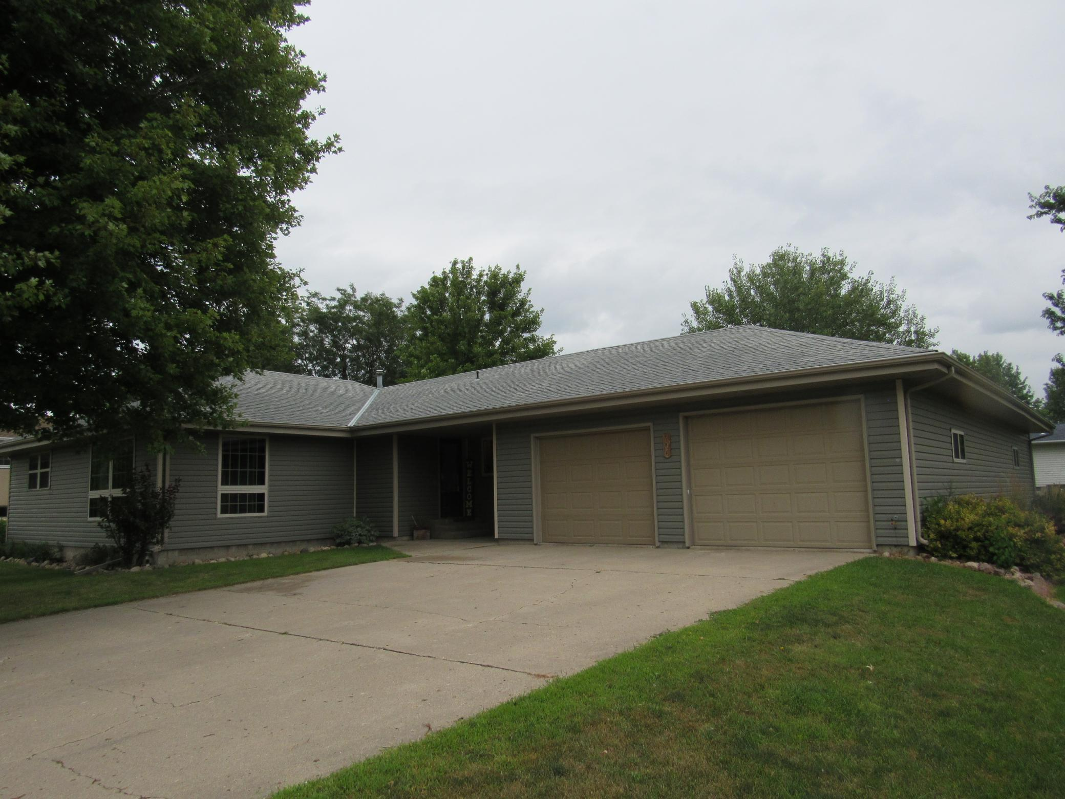 206 Hunter Street Property Photo - Lakefield, MN real estate listing