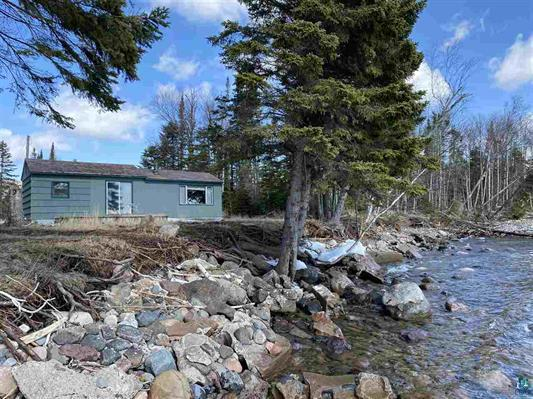 5694 E Highway 61 Property Photo - Hovland, MN real estate listing